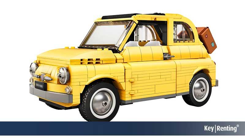 Fiat 500, riprodotta da Lego con 960 mattoncini